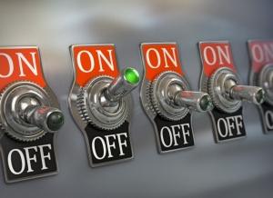 Может ли управляющая компания отключить электроэнергию за неуплату?