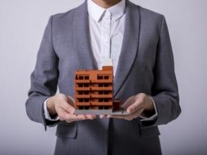 На каком основании застройщик обязань заменить конструктивные элементы
