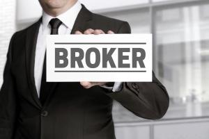 Запрос в брокерские компании и интернет-сервисы
